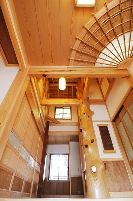 扇天井の玄関