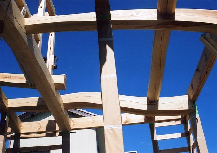 居間の天井部分の梁