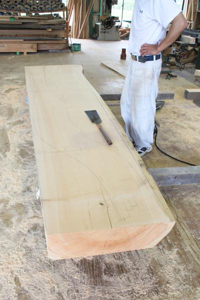 木造り前の唐破風板です。